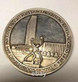 1970 Franklin Mint United Nations 64mm Sterling Silver Medal 5.0 Troy Ounces