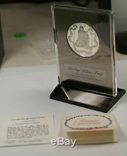 1975 The Christ Child. 925 Sterling Silver Proof Franklin Mint Holiday Medal