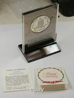 1975 The First Christmas. 925 Sterling Silver Proof Franklin Mint Holiday Medal